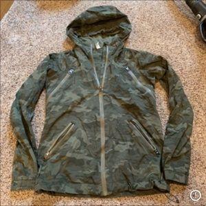 Lululemon rise and shine camo jacket size 4